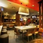 دکوراسیون رستوران، میز کورین، میز رستوران، میز کوارتز
